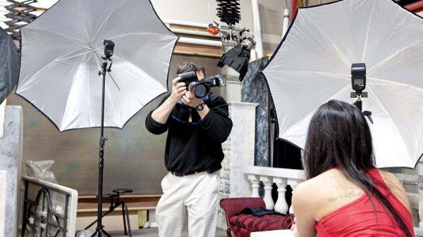 Managing the Light Metz 50 AF 58 AF 2 Flash Photographer and Model