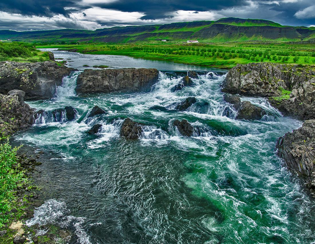 Glanni Waterfall - f/8 1/125 ISO 400 @ 16mm